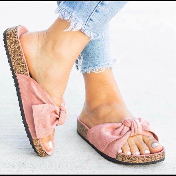 Shoes - 🎀 Bow Accent Sandals, Flats